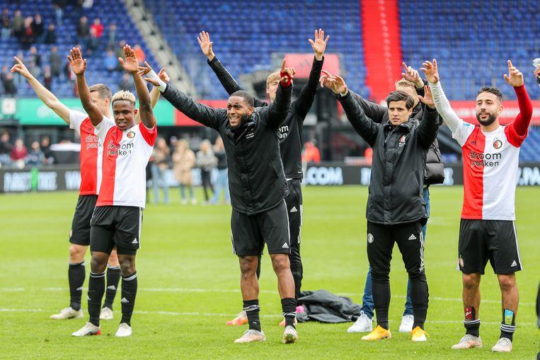 Spelers van Feyenoord vieren de overwinning tijdens de finale van de play-offs tegen FC Utrecht in de Kuip zondag. Beeld ANP