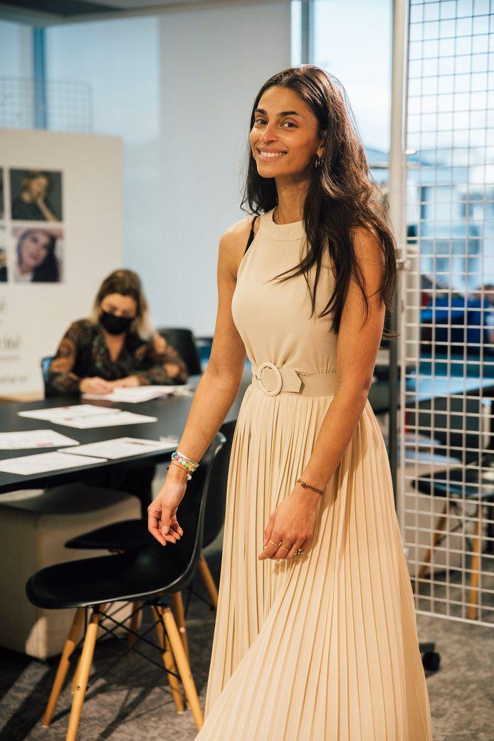 Tatiana Silva in één van de ontwerpen voor haar collectie voor LolaLiza.