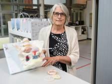 Karin uit Enschede zoekt als designer naar antwoorden op vragen die nog niet gesteld zijn: 'Vrouwen zijn niet te vangen in paar maten'