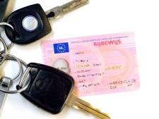 Hardrijders in Enschede moeten rijbewijs inleveren