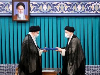 Ebrahim Raisi ingehuldigd als president in Iran