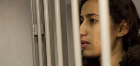 Timmermans wacht op Russische aanklacht Greenpeace-activisten