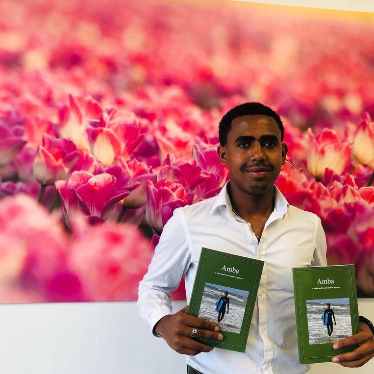 Amabasajir Fiseha Abraha: met zijn nieuwe boek 'In Nederland ben ik opnieuw geboren'. Beeld rv