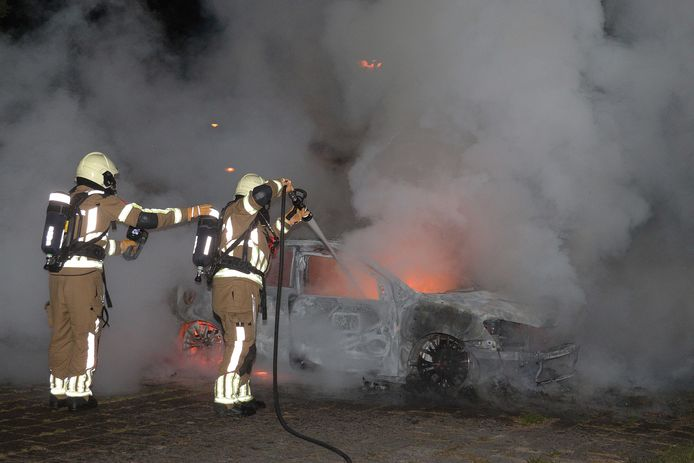 Autobrand aan de Bloemendaalweg.