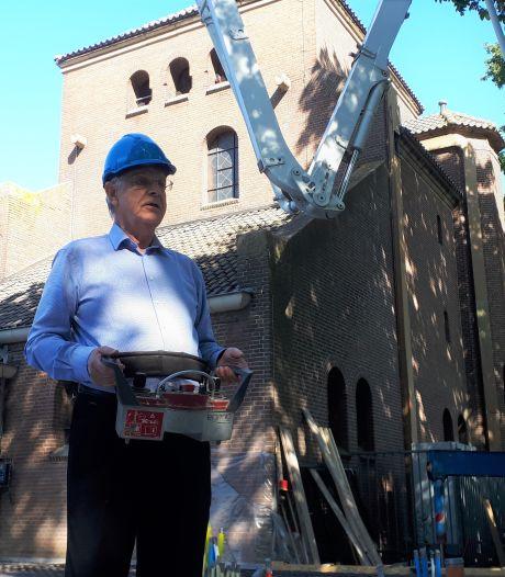 Piet de Jong,  toch nog een beetje bouwpastoor in Empel