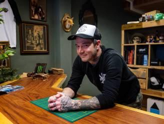 """Tattoo artist Barry (42) kan na vier maand weer aan de slag: """"Een coronatattoo? Misschien zet ik er wel bij mezelf een"""""""