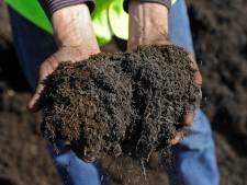 Voor gratis compost kunnen Schouwen-Duivelanders nu bij de buurman van de milieustraat terecht