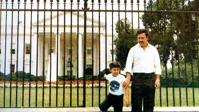 """Juan Pablo Escobar est le fils du célèbre narcotrafiquant colombien Pablo Escobar Gaviria. Pour mener une vie plus paisible, il a changé de nom: """"J'admire Pablo comme père, celui qui m'a éduqué. Pas à Escobar, le mafieux"""", lâche-t-il d'emblée sur le site Infobae."""