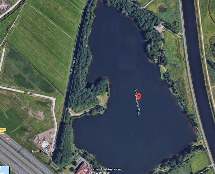 De Rosmalense Plas (Empels Gat) en bedrijventerrein tussen Empel en Rosmalen.