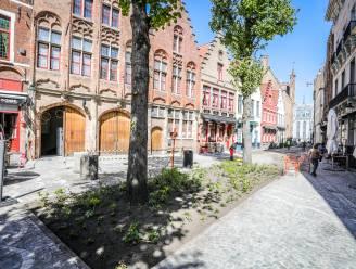 Nét op tijd: populair steegje Sint-Amandsstraat is afgewerkt en terrasjesklaar