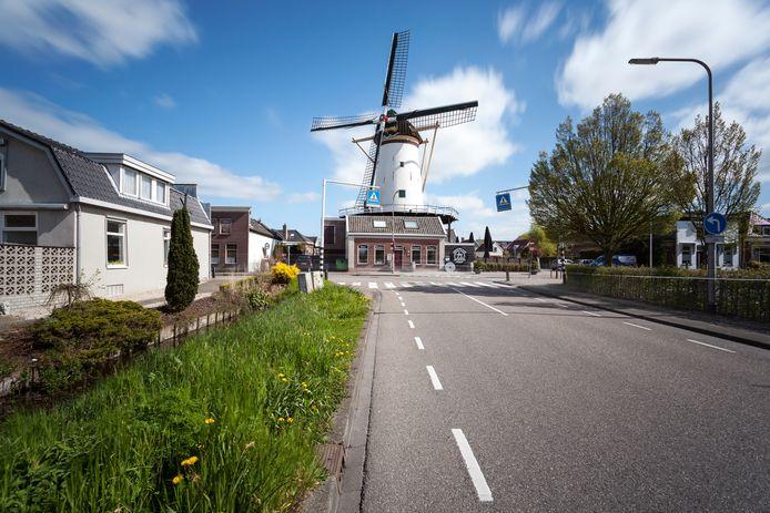 Molen De Arkduif aan de Overtocht in Bodegraven.