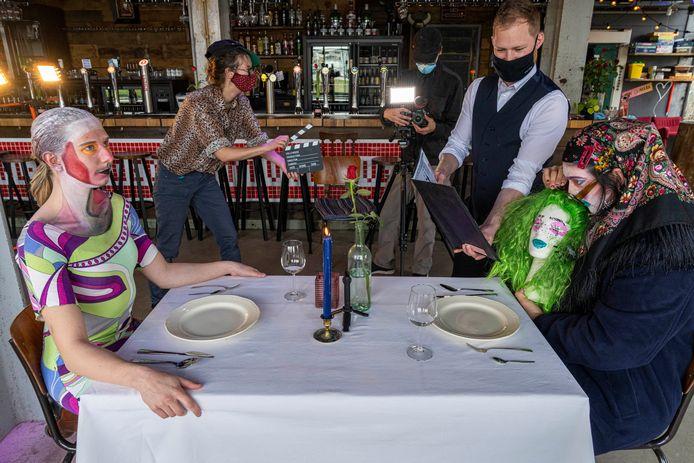 Bij de Bossche Brouwers op de Tramkade werden filmopnames gemaakt voor een onconventioneel datingprogramma.