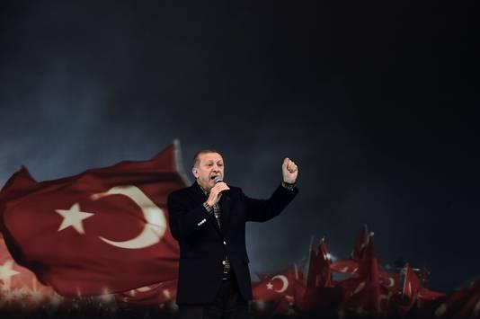 President Recep Tayyip Erdogan tijdens een speech voor zijn aanhangers in Istanboel, vorig jaar.