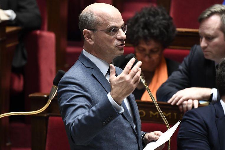 De Franse minister van Onderwijs Jean-Michel Blanquer spreekt het parlement toe.