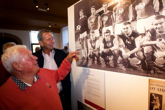 Wietse Veenstra en Nico van Zoghel werpen een blik op de geschiedenis van GA Eagles.