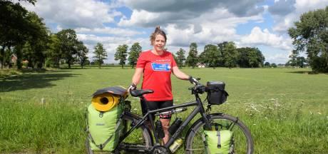 Almelose Marga dacht dat ze doodging, nu fietst ze in 50 dagen naar Spanje