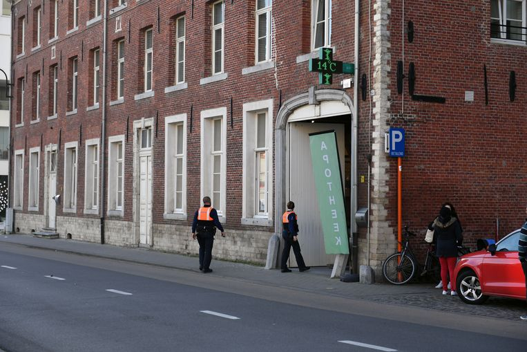 Apotheek De Vaart werd als derde op rij geteisterd door inbraakplaag.