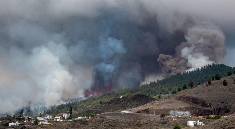 Seismologen waarschuwden al dat het eiland op korte termijn rekening moest houden met een uitbarsting. Beeld AFP