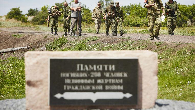 Monument voor de MH17-slachtoffers nabij Grabovo, waar veel brokstukken van het vliegtuig neerkwamen. Beeld anp