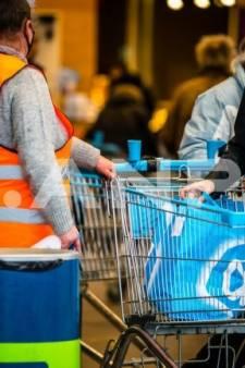 Albert Heijn-cassiére (21) na 6 jaar ontslagen na 'stelen' flesje cola, rechter pakt supermarkt aan