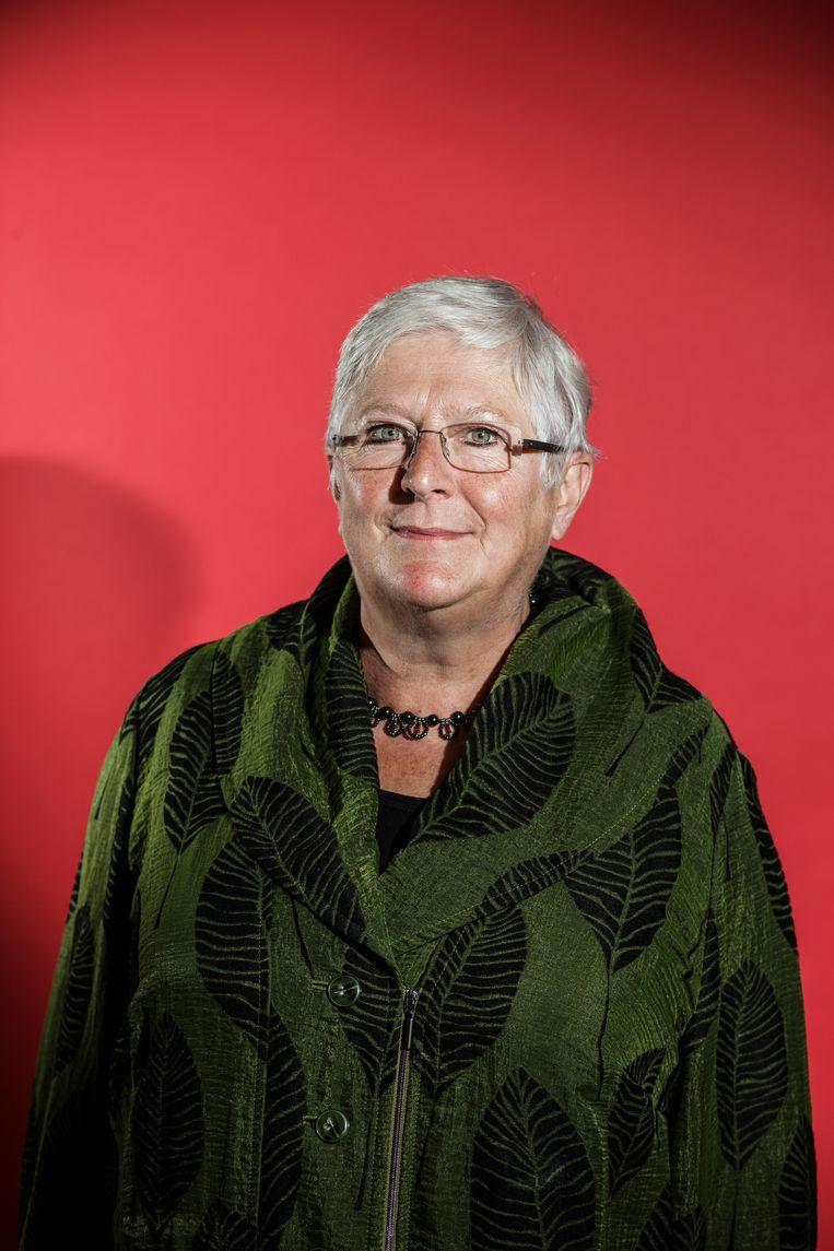 Mieke Vogels is oud-politica voor Groen. Ze was onder andere schepen in Antwerpen, Vlaams Parlementslid en partijvoorzitter. In 1999 werd ze Vlaams minister voor Welzijn, Gezondheid en Gelijke Kansen. 'Wat me stoorde is dat sommige rusthuizen zelfs het leger binnenlieten, maar de familie niet.' Beeld Bob Van Mol