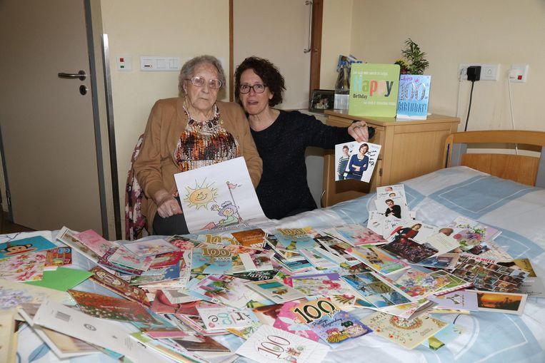 Zoë kreeg honderden kaartjes voor haar 100ste verjaardag, dankzij haar dochter Noëlla Desmedt.