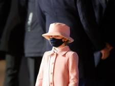 Gabriella de Monaco, 6 ans, se promène avec un sac qui vaut des milliers