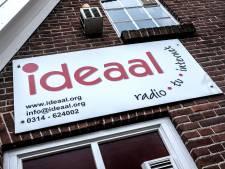 Raad Bronckhorst vindt dat Radio Ideaal genoeg budget krijgt: 'Schandalig'