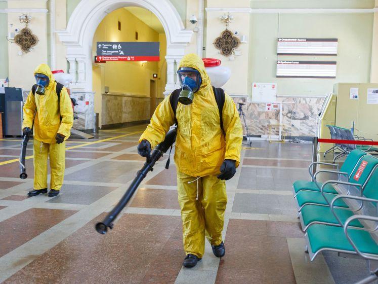 Russen stevenen af op derde coronagolf: Moskou voert vaccinatieplicht in