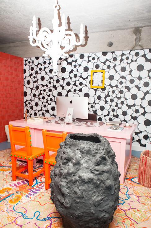 Foto van Binnenkijken: deze Antwerpse loft is één grote LSD-trip doorheen de kunst- en pophistorie