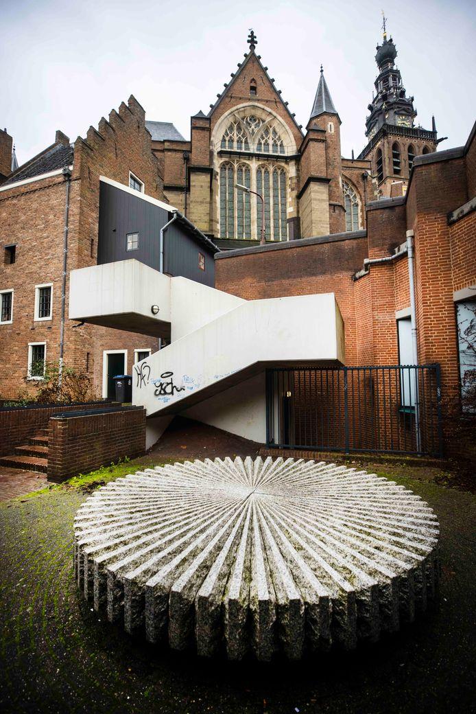 Deze trappen naar de Stevenskerk krijgen een naam: de Graodus fan Nimwegentrappen. .