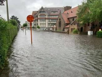 """""""Enorm veel regen op korte tijd"""": ook wateroverlast in Knokke met ondergelopen straten en opslagplaatsen van winkels"""