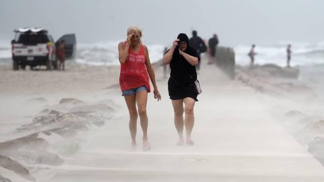 Orkaan Nicholas zet voet aan land in Texas: felle wind haalt snelheden tot 120 km/u