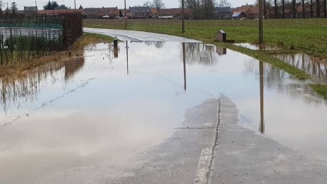 Raadslid Lefebvre (Open Vld) vraagt betere aanpak voor dorpskernvernieuwing en terugkerende wateroverlast in Reningelst