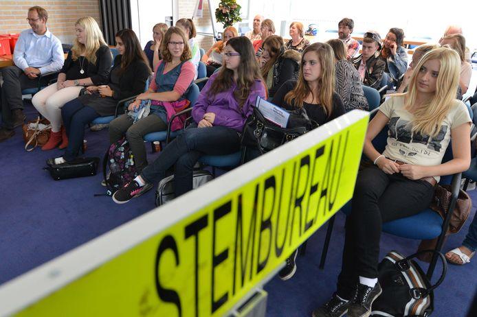 Jongeren voelen zich niet door politieke partijen vertegenwoordigd