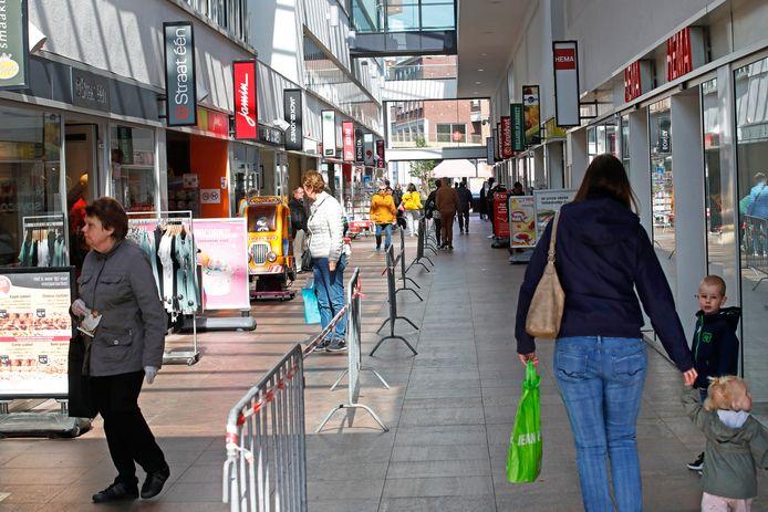 De passage gaat voortaan een uur na het sluiten van de winkels 'op slot'.