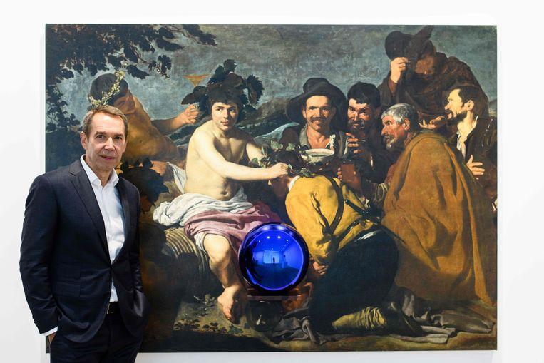 Dit weekend raakte een bezoeker het kunstwerk Gazing Ball aan in Amsterdam. De bal spatte uiteen.  Beeld AFP