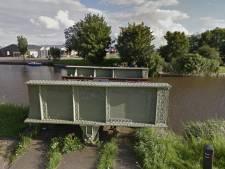 Verdwenen brugdeel naar Amsterdam: gemeente doet aangifte