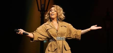 Glennis Grace treedt op tijdens finale songfestival