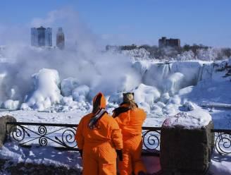 De Niagarawatervallen zijn bevroren: zo ijzig koud is het momenteel in de VS