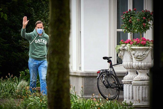 Ter illustratie: demissionair premier Mark Rutte arriveert bij het Catshuis.