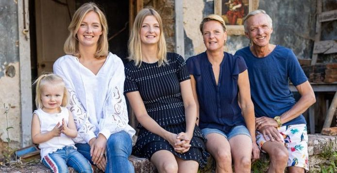 De familie Meiland, met van links naar rechts Claire, Maxime, Montana, Erica en Martien