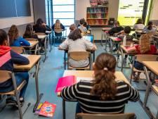 Alle scholieren hebben door corona leerachterstand blijkt uit eindtoets: uitslag vertraagd