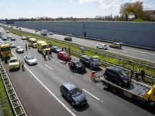 A4 richting Den Haag weer open na ongeluk met zeven voertuigen bij Ketheltunnel