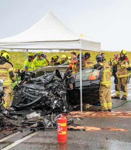 Ongeluk veroorzaakt door auto die op verkeerde weghelft reed: slachtoffers nog altijd zwaargewond in ziekenhuis