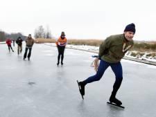 Er zijn meer mensen die niet schaatsen, ik bijvoorbeeld, niet uit principe, maar mijn lichaam weet zich geen raad met een glad oppervlak