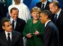 Barack Obama avec Nicolas Sarkozy, Angela Merkel, Silvio Berlusconi et Recep Tayyip Erdogan au sommet du G20 à Cannes, en France, le 3 novembre 2011.