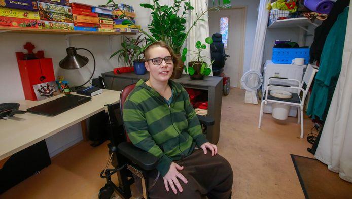 Jasmijn Berg heeft een zware fysieke beperking en heeft autisme.