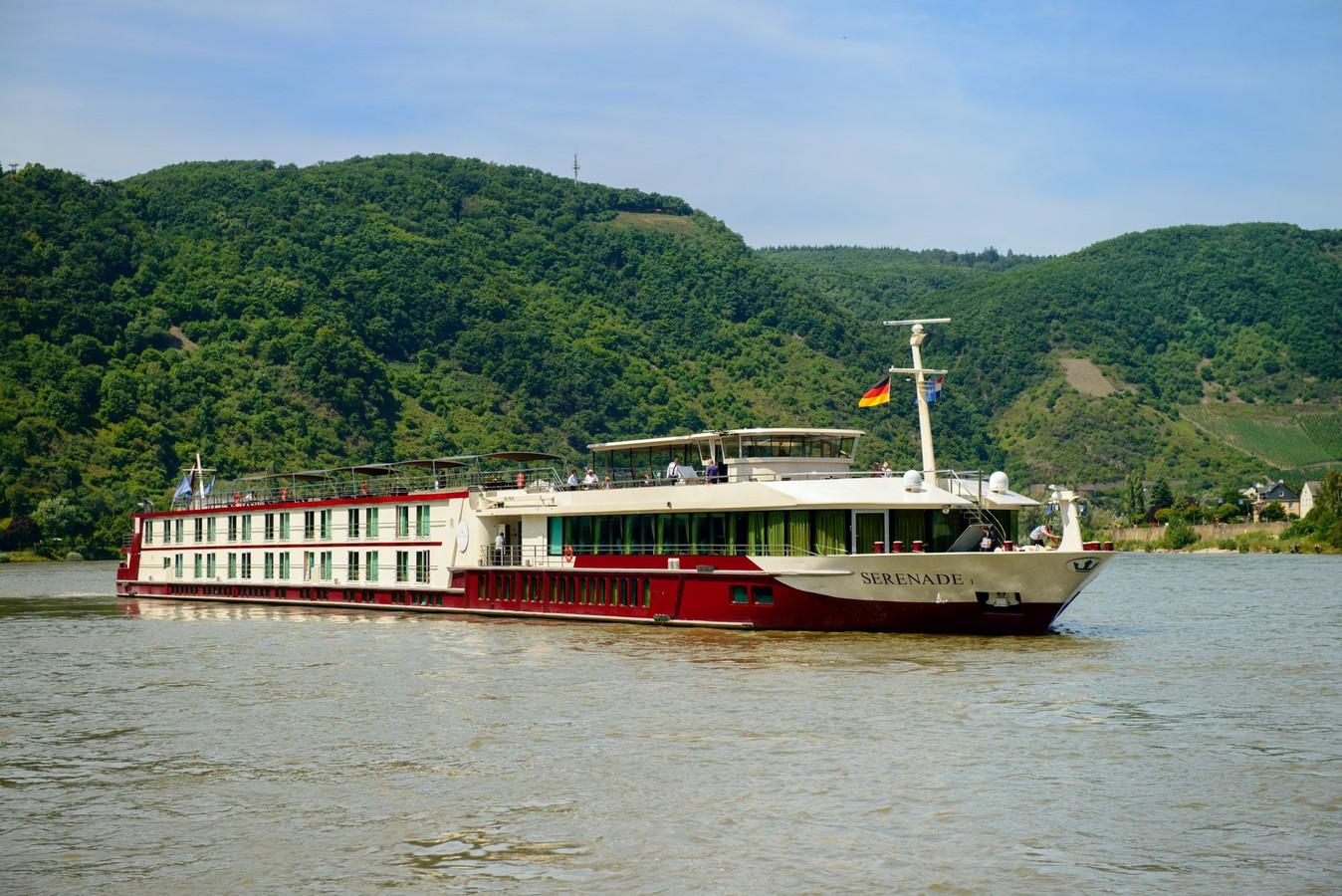 Cruiseschip Serenade I gaat in Arnhem dienst doen als opvangadres voor daklozen.