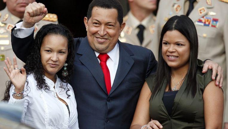 Wijlen Hugo Chavez met dochters Maria Gabriela en Rosa Virginia Beeld EPA
